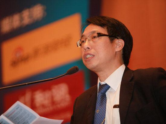 香港银行学会高级顾问陈凤翔