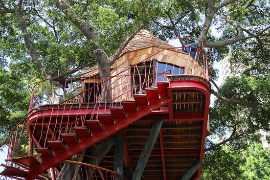 唯品会爱心树屋落成 设计师小林崇讲述造梦过程