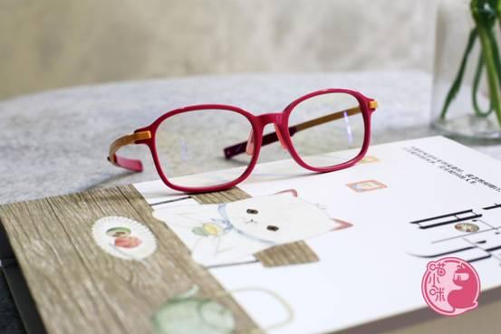 喵小咪:防蓝光眼镜真的管用吗?