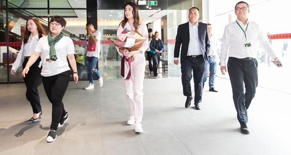 雅兰与陈慧琳再续前缘,摄影师黎晓亮掌镜全新品牌大片
