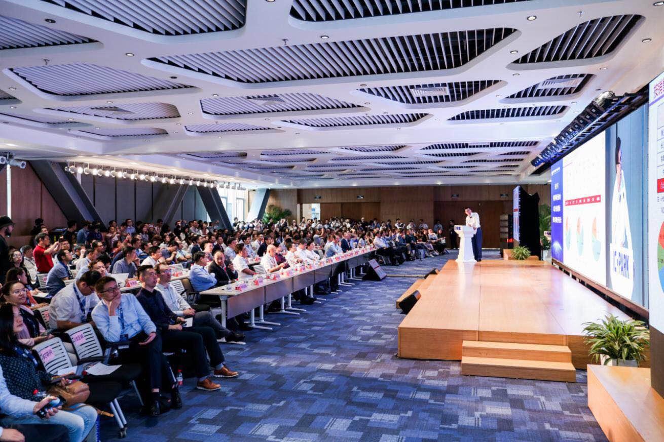 """安博教育集团与中关村IC设计园签署协议共建""""中关村芯学院"""""""