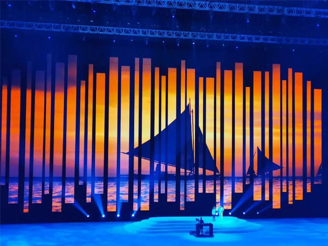 """东南亚运动会开幕式,艾比森上演""""极限挑战"""""""