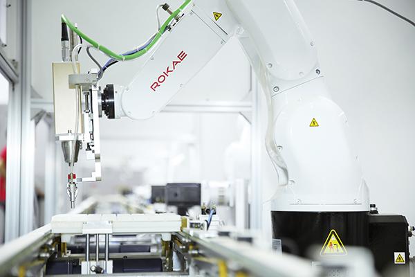 珞石:�C器人力控技�g助力打磨工��革