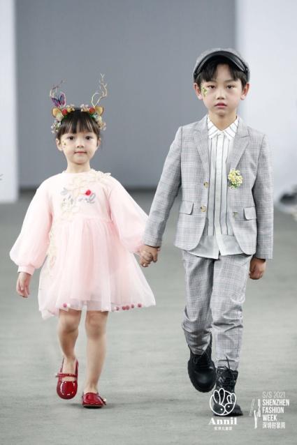 安奈儿2021春季系列产品亮相深圳时装周|探索梦幻伊甸园